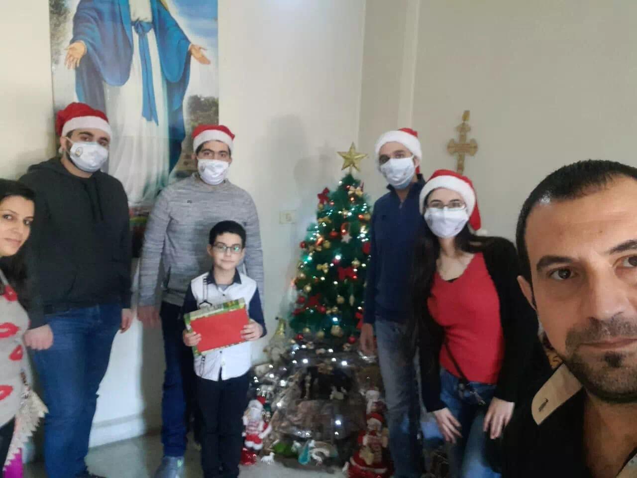 https://eundemia.sirv.com/Images/christmas/456800.webp