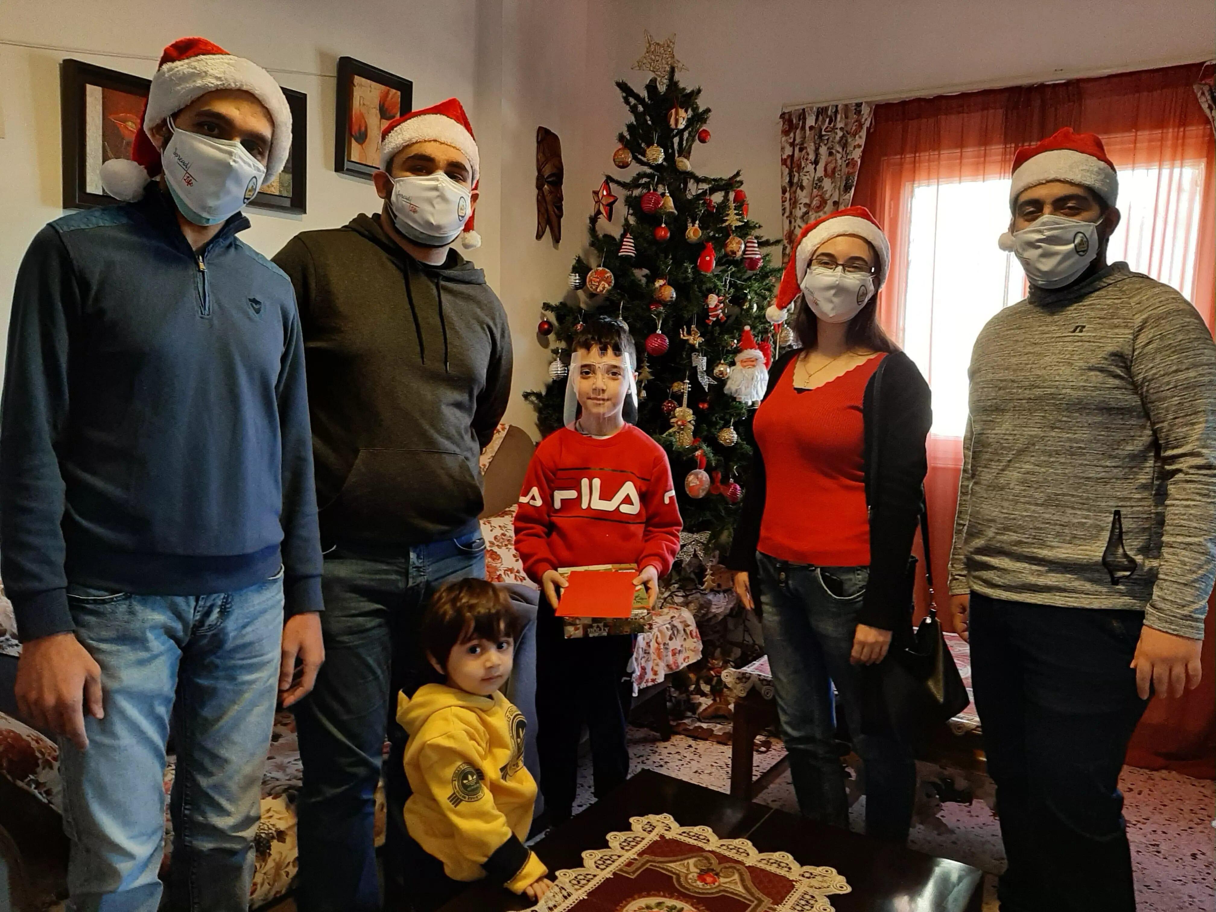 https://eundemia.sirv.com/Images/christmas/456810.webp