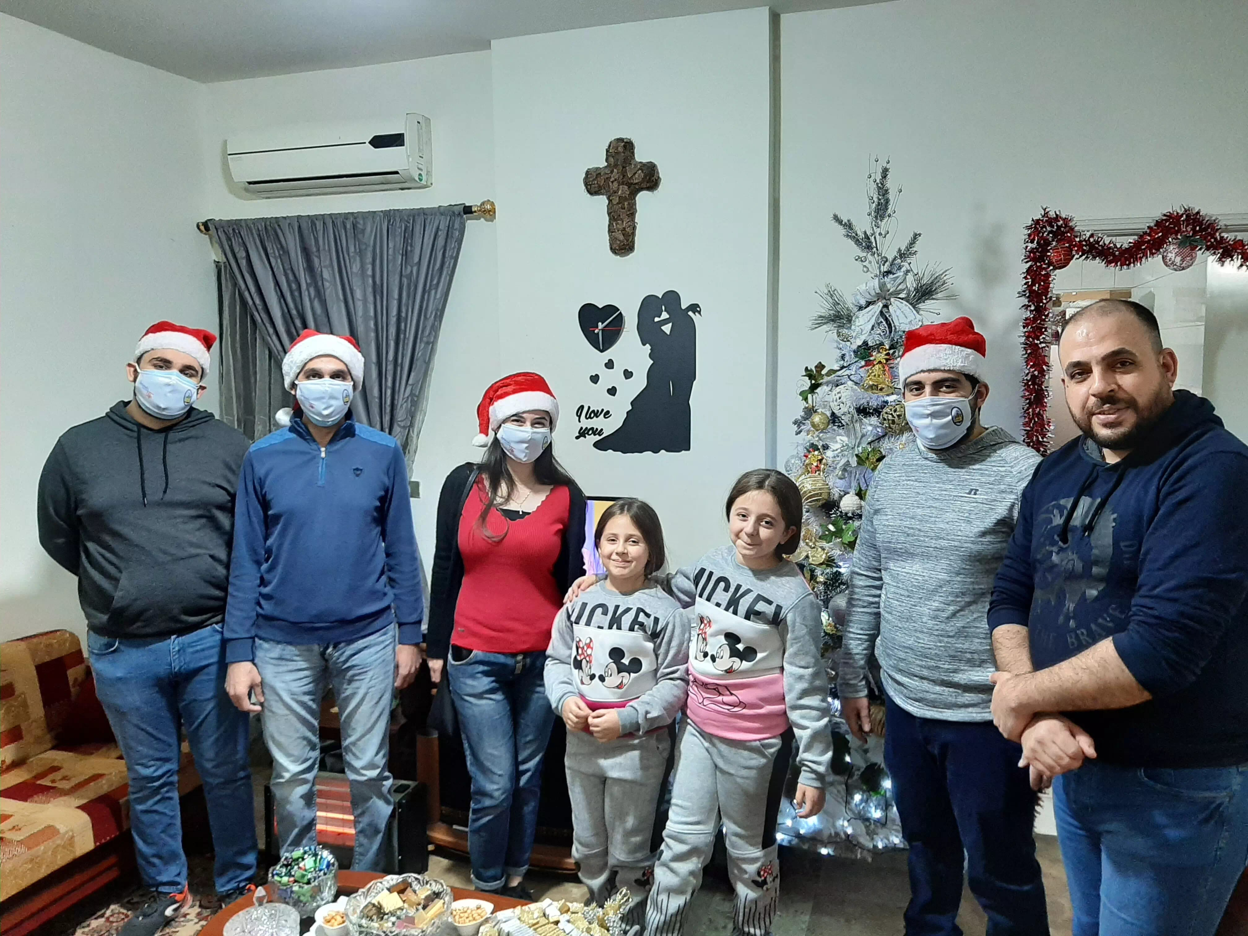 https://eundemia.sirv.com/Images/christmas/456820.webp