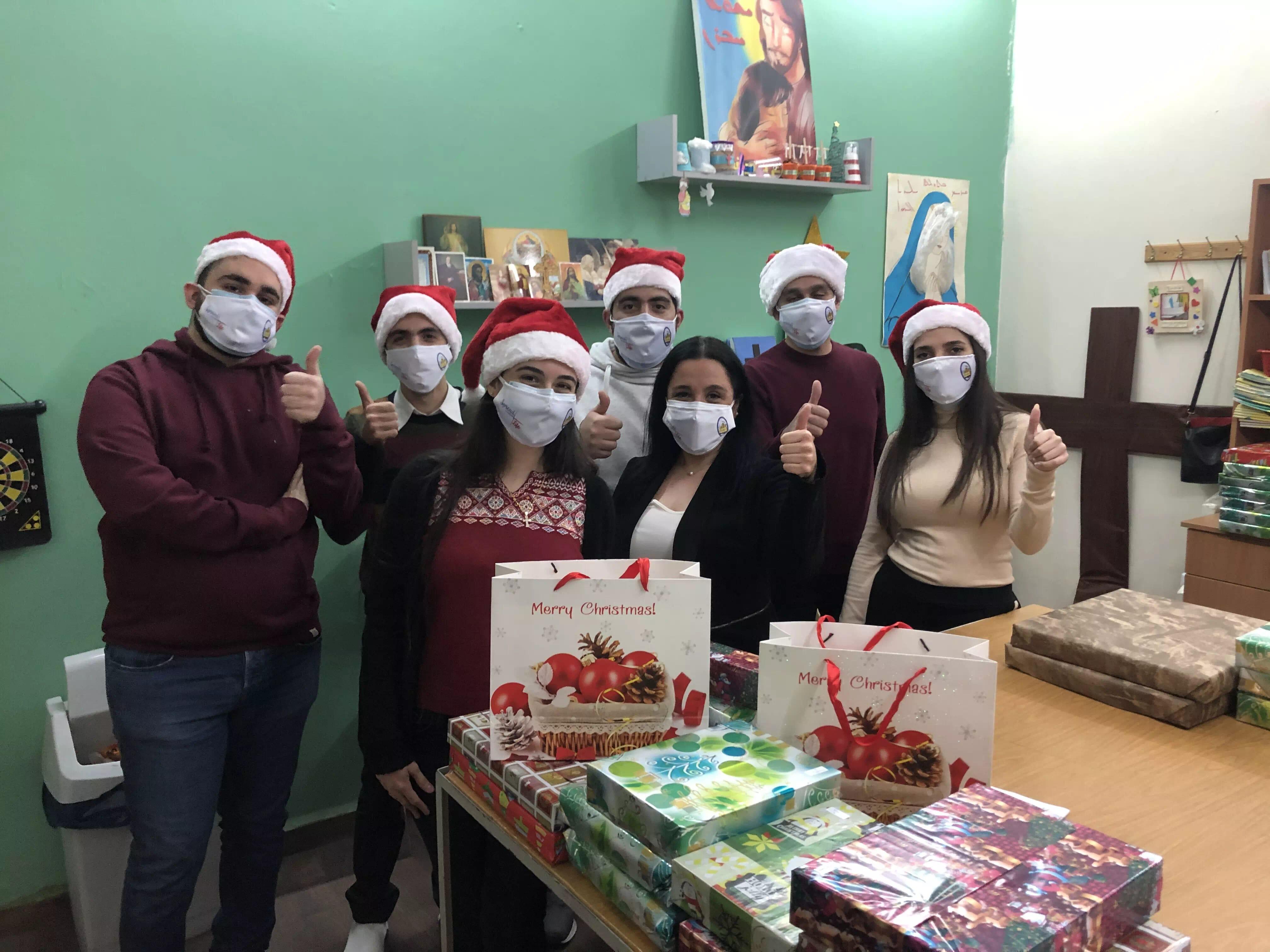 https://eundemia.sirv.com/Images/christmas/456824.webp