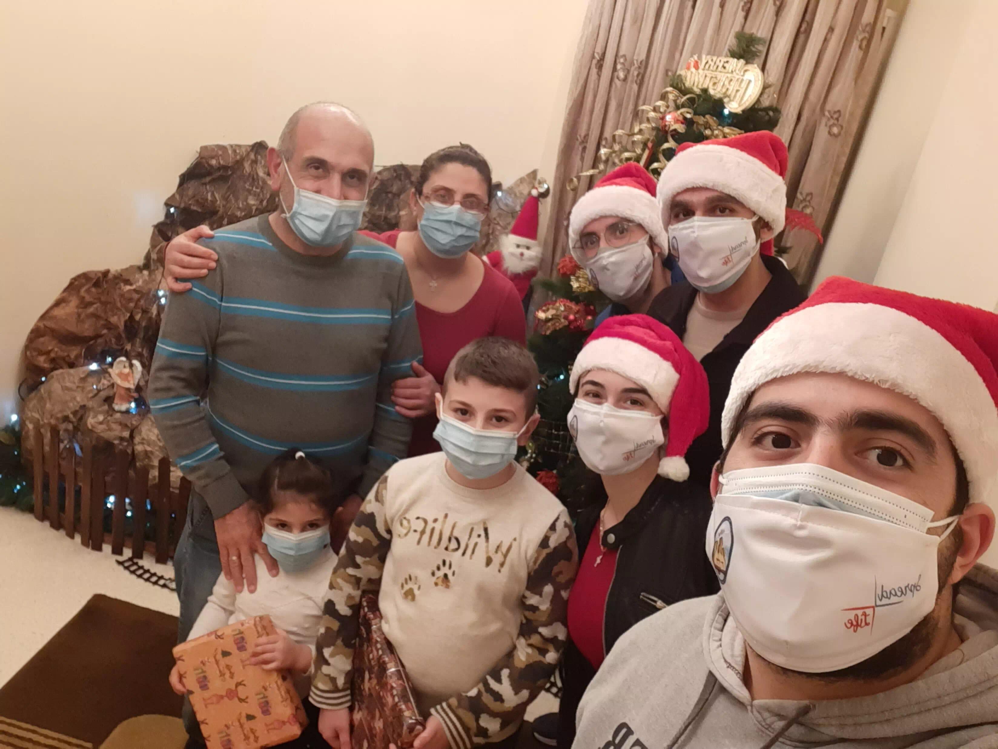 https://eundemia.sirv.com/Images/christmas/456830.webp