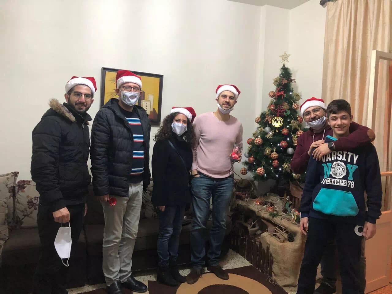 https://eundemia.sirv.com/Images/christmas/456900.webp