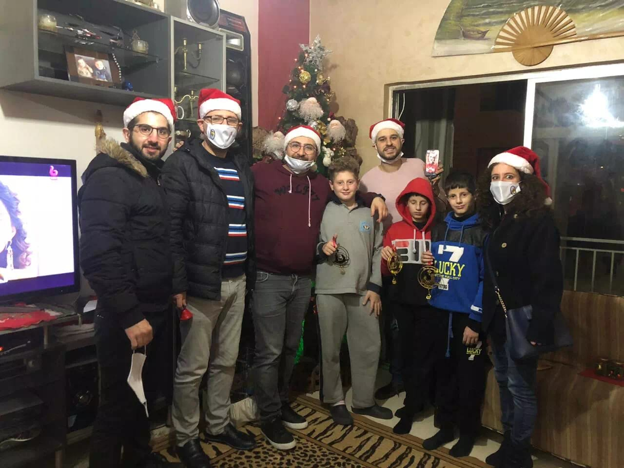 https://eundemia.sirv.com/Images/christmas/456904.webp