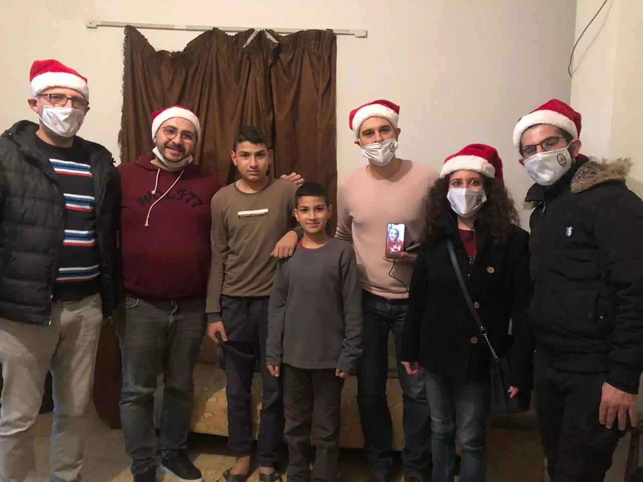 https://eundemia.sirv.com/Images/christmas/456910.webp