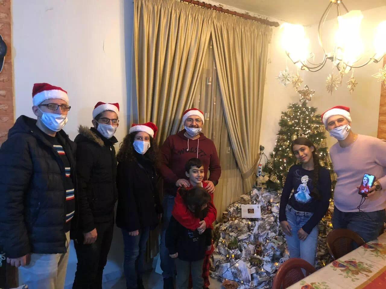 https://eundemia.sirv.com/Images/christmas/456918.webp